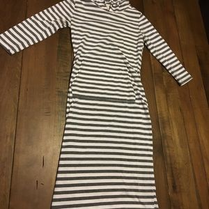 Heart and hips grey striped hooded stretchy dress